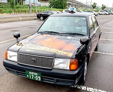 つばめタクシー「長岡花火をラッピングしたタクシーを運行」